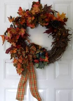 How to Make an Acorn Thanskgiving Wreath