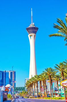 Handy guide to the best things to do in Las Vegas during the day, with 20 ideas that are safe, cheap, fun and open! Things To Do, Good Things, During The Day, Before Sunset, Travel Inspiration, Las Vegas, Beautiful Places, Travel Photography, World