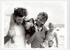 Christy Turlington with husband Ed Burns and their children Finn and Grace, in 2009 (Photo: Pamela Hanson) - pretty much the cutest thing ever Edward Burns, Pamela Hanson, Family Posing, Family Portraits, Family Photos, Christy Turlington, Orange Book, Famous Couples, Family Album