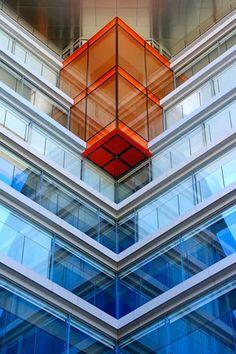Cube into a Cube by David Revuelto