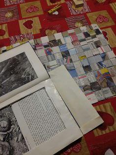 Scatola-libro e tovaglietta americana (scacchiera di fogli di giorale)