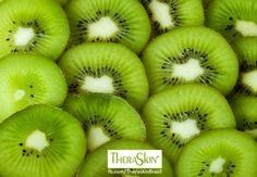 Vocês sabiam que o Kiwi é uma fruta rica em vitamina C? Além disso ainda fortalece o sistema imunológico, combate os radicais livres e melhora a absorção do ferro disponível em outros alimentos. E ainda é uma delícia!