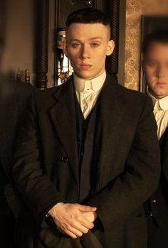 Joe Cole as John Shelby John Shelby Peaky Blinders, Peaky Blinders Series, Shelby Brothers, Peaky Blinders Wallpaper, Finn Cole, Film Inspiration, Tom Hardy, Cinema, Series Movies