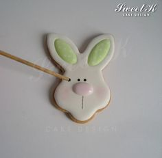 Royal icing #1: Easter cookie box - by Karla (Sweet K) @ CakesDecor.com - cake decorating website