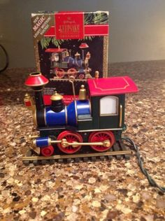 Vintage-Hallmark-Ornament-Santas-Special-Train-Light-Motion-Sound