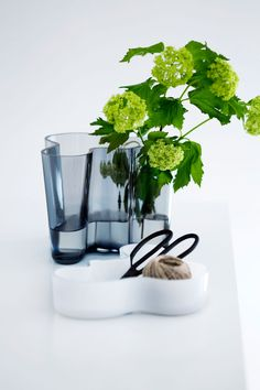 2016 will be a year of celebration for Iittala and the Alvar Aalto Collection 80 years Anniversary. In Alvar Aalto created his classic series of glass vases. The Alvar Aalto Collection has be… Diy Interior, Modern Interior, Modern Furniture, Interior Design, Alvar Aalto, Bowls, Traditional Decor, Scandinavian Design, Nordic Design