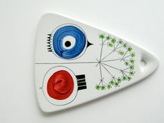 Picknick ceramic triangle trivet by Marianne Westman from Rorstrand