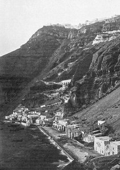 The port of Fira in 1899 in Santorini island, Greece. Santorini Sunset, Santorini Island, Santorini Greece, Athens Greece, Greece Pictures, Old Pictures, Old Photos, Greece History, History Of Photography