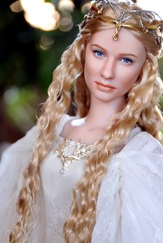 """LOTR"" - 'Galadriel, Lady of Light' Tonner doll repaint by 'ncruzdolls'  //  Galadriel was a royal Elf of both the Noldor & the Teleri, being a grandchild of both King Finwë & King Olwë; also close kin of King Ingwë of the Vanyar thru her grandmother Indis. Towards the end of her stay in Middle-earth she was co-ruler of Lothlórien along w/ her husband, Lord Celeborn."