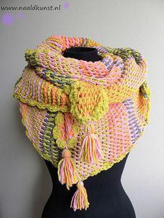 Cotton Mix omslagdoek Tunisch | Breien, Haken, Borduren Tunisian Crochet, Crochet Poncho, Crochet Scarves, Diy Crochet, Rainbow Crochet, Make Your Own Clothes, Fabric Crafts, Knitting, Women