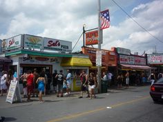 HAMPTON BEACH, N.H.) - Slices of pizza, fried dough, french fries, Italian Sausage, Italian ice, ice cream, a boardwalk and a fantastic ocean beach… life is good at Hampton Beach, N.H.! http://visitingnewengland.com/blog-cheap-travel/?p=2916 #hamptonbeach