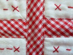 Patchwork y más : Tutorial Unión de bloques ya acolchados Quilt As You Go, Easy Quilts, Paper Piecing, Quilt Blocks, Smocking, Applique, Patches, Gift Wrapping, Diy Crafts