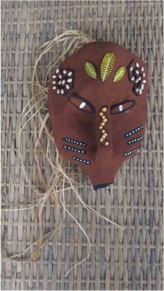 Ideas for diy paper mache mask milk jug Plastic Milk, Plastic Bottle Crafts, Diy Bags No Sew, Diy Clothes Storage, Paper Mache Mask, Foam Shapes, African Crafts, Diy Jewelry Holder, Puffy Paint