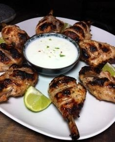Spicy Chicken Drumsticks with lime joghurt dip