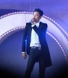 I work hard to hide that life Choi Seung Hyun, Rapper, Vip Bigbang, Korean Boy, I Work Hard, Seungri, Bangs, Boxer, Numb