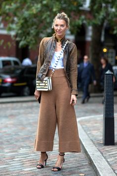 wow what an outfit Casual Outfits, Cute Outfits, Fashion Outfits, Womens Fashion, Fashion Tips, Fashion Trends, Classy Fashion, Modest Fashion, Boho Fashion