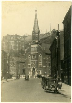 View north along Race Street of Phillipus Kirche , Cincinnati, Ohio, Get premium, high resolution news photos at Getty Images Old Pictures, Old Photos, Life In Paradise, Ohio River, World Religions, Antique Photos, Historical Pictures, History, City