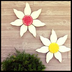 Wood flowers on sale in my #etsyshop - 15% off with Free Shipping. These are easily customized to match your decor. I primed, painted and scored each flower center and it gave off a cottage feel. What do you think? #wallart #flowerart #makersgonnamake
