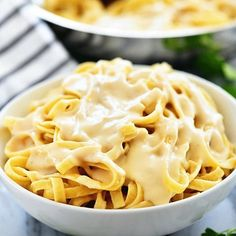 This Cheesy Ranch Chicken Pasta is an easy and delicious weeknight dinner! It is cheesy ranch heaven, and so simple to throw together. Whenever I'm looking for a quick and comforting meal to make, I usually turn to pasta. Casserole Recipes, Pasta Recipes, Chicken Recipes, Cooking Recipes, Potato Recipes, Bread Recipes, Teriyaki Chicken Casserole, Hamburger Casserole, Pizza Casserole