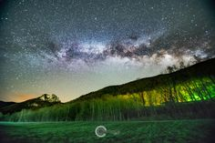The Milky Way rising over Seneca Rocks WV [OC][20481367] #reddit
