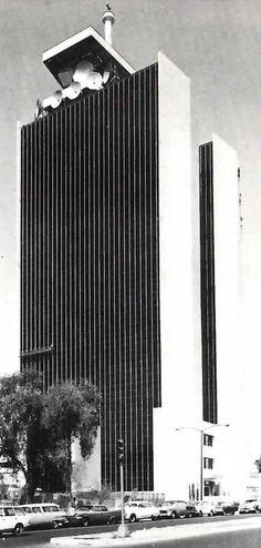 Torre SCT (Secretaría de Comunicaciones y Transportes), Eje Central 567, esqs. Cumbre de Acultzingo y Xola, Col. Narvarte Poniente, Benito Juárez, México DF 1968 Arqs.Pedro Ramírez Vásquez y Rafael Mijares