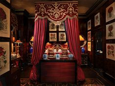 Blakes Hotel in South Kensington, London is a luxury boutique hotel. Created by designer Anouska Hempel, Blakes Hotel offers stylish rooms and suites Hotel Bed, Hotel Suites, London Hotels, South Kensington London, Rosewood Hotel, Vintage Dressing Tables, Loft, Bed Design, Best Hotels