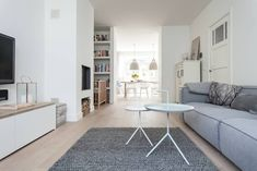 living room sections Blue Couches, Minimalist Interior, Next At Home, Living Room Interior, Decoration, Dining Bench, Small Spaces, Living Spaces, Living Rooms