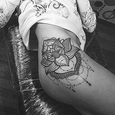 Who wants flowers? ☆♥ #Tattoo #legs #love #tattooed #girls #tattooedgirls ...