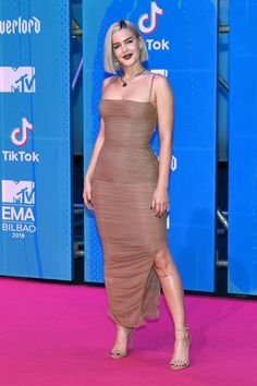 Jack & Jack Join Anne-Marie on MTV EMAs 2018 Pink Carpet!: Photo Jack & Jack suited up while hitting the carpet at the 2018 MTV EMAs! Anne Marie Album, Anne Maria, Foreign Celebrities, Pink Carpet, Female Singers, Girl Crushes, Pink Dress, Celebrity Style, Celebs