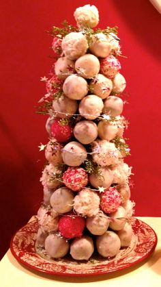 Cake Pop Christmas Tree Christmas Cake Pops, Christmas Food Gifts, Christmas Cookie Exchange, Christmas Cooking, Christmas Time, Xmas, Cupcake Cookies, Cupcakes, Cookie Designs