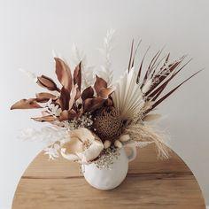 Dried Flower Bouquet, Dried Flowers, Ikebana, Art Floral Japonais, Dried Flower Arrangements, How To Preserve Flowers, Flower Power, Wedding Flowers, Floral Design