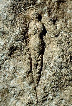Venus of Abri Pataud, carved years ago, Les Eyzies, Dordogne, France Ancient Aliens, Ancient History, Art History, European History, American History, Ancient Goddesses, Gods And Goddesses, Egyptian Mythology, Egyptian Goddess
