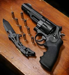 Magnum 8 shot revolver Photo by EDC Rifles, Weapons Guns, Guns And Ammo, Armas Wallpaper, Smith And Wesson Revolvers, Smith Wesson, 357 Magnum, Military Guns, Fire Powers