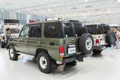 [画像]トヨタ、期間限定発売の「ランクル70」を展示した「70 COME BACK セレモニー」 / 「信頼性こそ本来の4駆の魅力。着飾らない、もっともランクルらしいクルマが70」と開発責任者の小鑓氏 - Car Watch