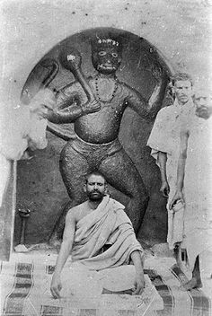 Lord Hanuman Ji is considered an ideal of force, power, energy, wisdom, service and devotion to God. Indian Saints, Saints Of India, Om Namah Shivaya, Mahavatar Babaji, Neem Karoli Baba, Shri Hanuman, Krishna, Durga, Spiritual Figures