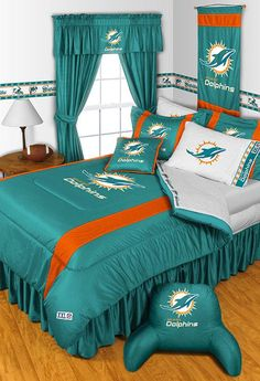 One NFL Miami Dolphins Twin comforter, 63 x 86 inches. Twin Comforter Sets, Queen Bedding Sets, Miami Dolphins Memes, Nfl Dolphins, Dolphins Cheerleaders, Dolphin Bedroom, Sports Bedding, Football Bedding, Fitted Bed Sheets