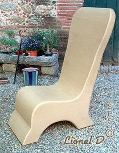 Siège carton et fauteuil sphère fabriqué en stage