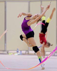 Rhythmic Gymnastics Training, Gymnastics Flexibility, Star G, Gymnastics Photography, Dance Shirts, World Of Sports, Athlete, Dancer, Running
