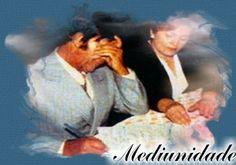 Mediunidade para Servir   A mediunidade está presente no mundo; desde a época das tribos primitivas. Eram exercidas por pajés, passou pelo Egito, Pérsia, Grécia, Roma, sendo cultuada e manifestada de várias formas. E porque não falar dos apóstolos de Cristo – Jesus?  Médiuns são aqueles que possuem a sensibilidade espiritual mais desenvolvidas, capazes de transmitir o pensamento dos espíritos, ou servir como veículo para suas manifestações. Alguns médiuns, antes da sua reencarnação…