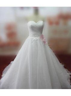 brudekjole kapel tog Brudekjolen med applikationsbroderi