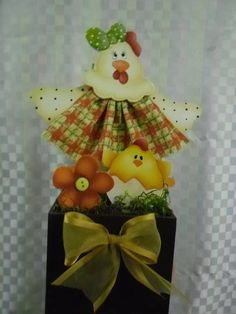 vaso cachepo galinha com vetido | Artesanatos Ingrid Carvalho | 210820 - Elo7