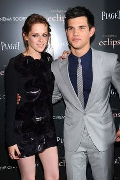 Kristen Stewart and Taylor Lautner at event of The Twilight Saga: Eclipse