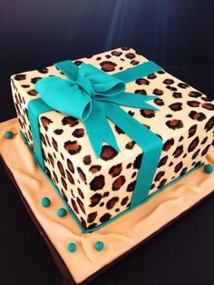 Cheetah birthday cake can be good choice, Here are some beauty cheetah birthday cake ideas Cheetah Birthday Cakes, Cheetah Cakes, Leopard Birthday, Leopard Cake, Leopard Print Cakes, Leopard Party, Leopard Prints, Cheetah Print, Beautiful Cakes