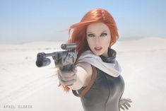 Cosplayer April Gloria looks absolutely perfect as Mara Jade Skywalker for the non-canon Star Wars Universe. Photos by David Love Photography & CG. Star Wars Fan Art, Star Wars Mädchen, Star Wars Girls, Cool Costumes, Cosplay Costumes, Cyberpunk, Armadura Cosplay, Mara Jade, White Sands National Monument