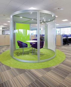 LOVE THE CIRCULAR MEETING SPACE