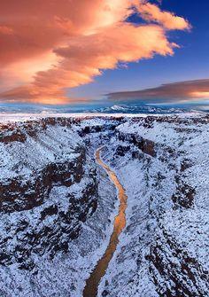 Rio Grande del Norte in northern New Mexico, now a national monument. Rio Grande, New Mexico Road Trip, Travel New Mexico, New Mexico Style, Taos New Mexico, Grand Canyon, Carlsbad Caverns National Park, Taos Pueblo, Land Of Enchantment
