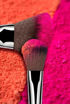 Looking for a new makeup brush on the cheap? We found the best drugstore makeup brushes to apply and blend foundation, concealer, eyeshadow and more. Makeup Wallpapers, Colors For Dark Skin, Highlighter Brush, Fuchsia, Blush Brush, Drugstore Makeup, Blush Color, Color Of Life, Grafik Design