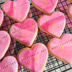 30 Personalised Wedding Favour Heart Shapped Biscuits