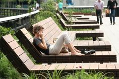 High-Line-Park / desing street furniture / hight line / wood public chair /