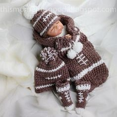 Football Themed Baby Gift Set Loom Knitting Pattern: Includes Coccoon, Booties, Hat & Bonus pattern for Football Buttons